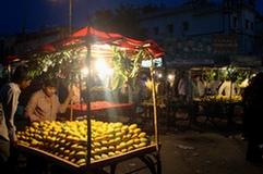 Mangoes Seller in Hyderabad. Source: Flickr- Pallavi Rajkhowa/IFPRI